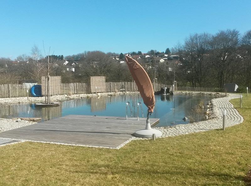 schwimmbecken naturteich