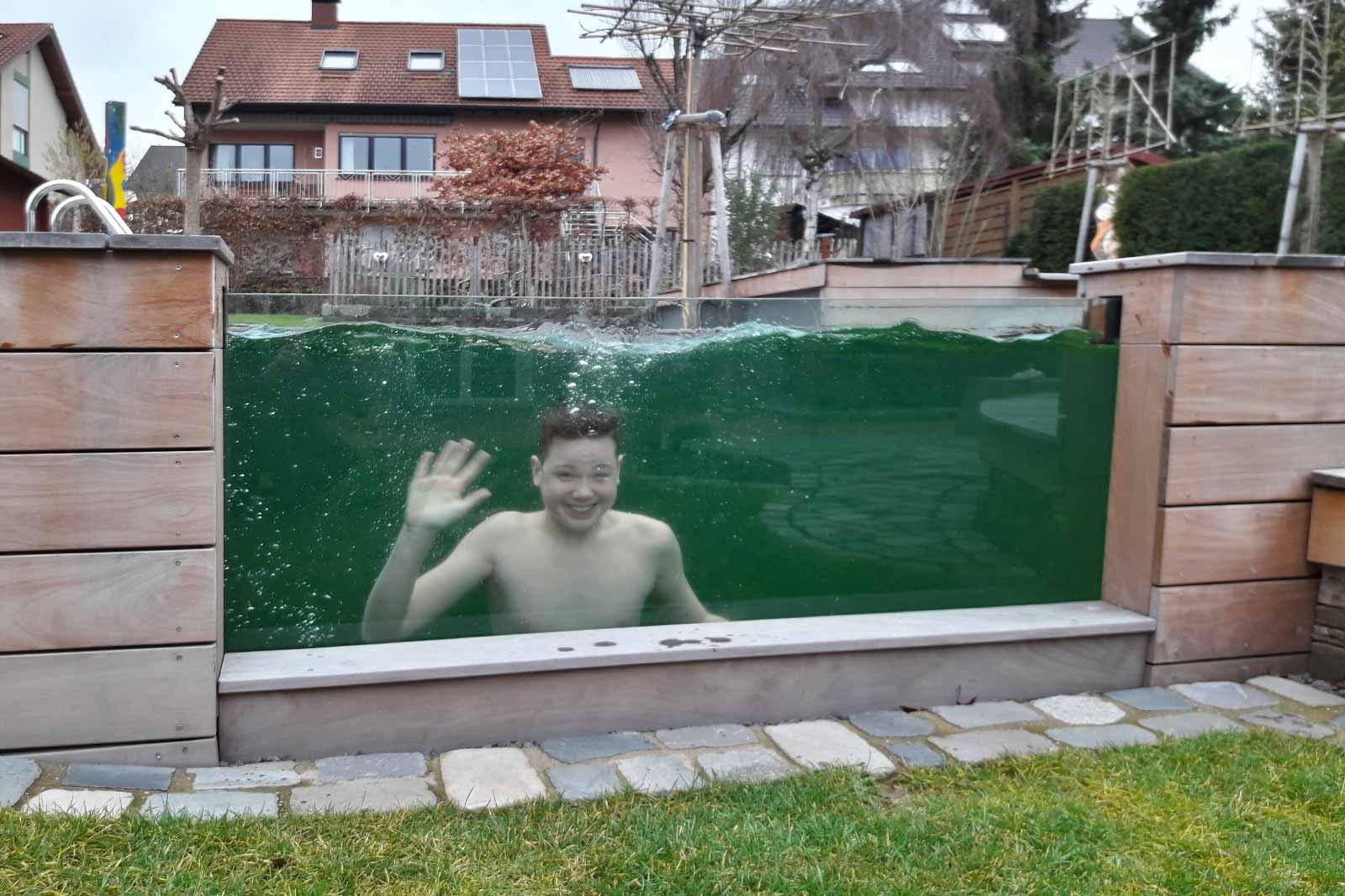 Schwimmen im eigenen Naturpool